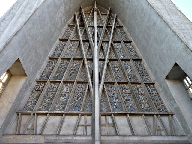 Eglise Sainte Thérèse de Metz 4 18 12 09