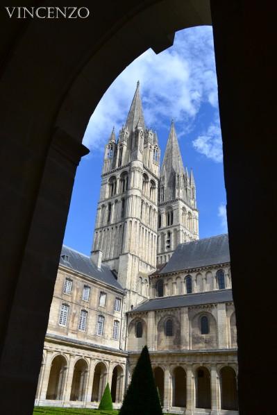 Normandie caen abbaye aux Hommes cloitre