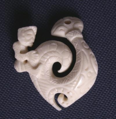 Blog de usulebis :Usulebis ,Artisan créateur de bijoux polynésiens , contact : usulebis@hotmail.fr, hameçon 06