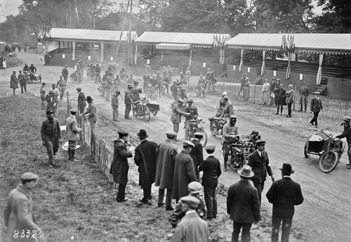 Le Bol 1923 : les courses !
