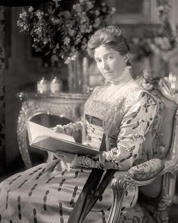 10 - Femmes lisant - Photographies