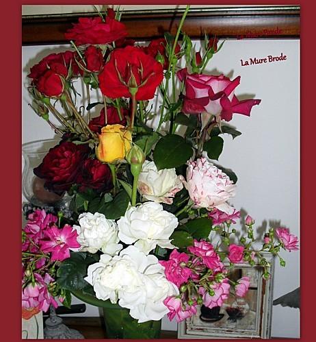 2012-06-24-bouquet-de-roses---mercerie---verres---tasses---.jpg