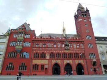 123-Rathaus de Bâle