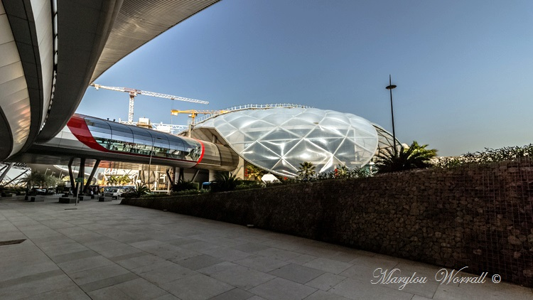 Abu Dhabi : Ferrari World 2/2