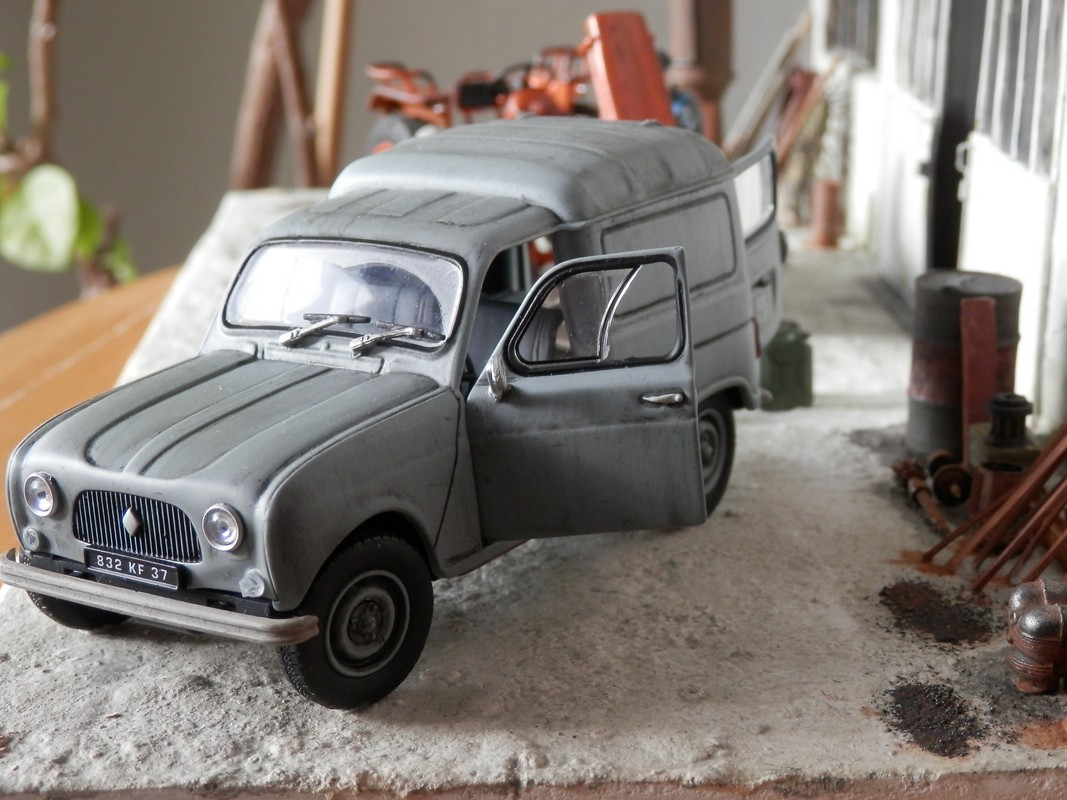 renault garage agricole dioramas de thierry voitures garages agricoles. Black Bedroom Furniture Sets. Home Design Ideas