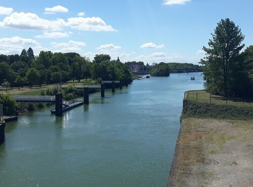 Canal de dérivation de la Saône