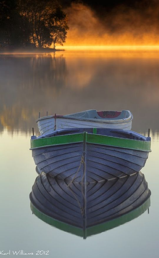 Early morning mist at Loch Rusky near Callander, Scotland • photo: Karl Williams