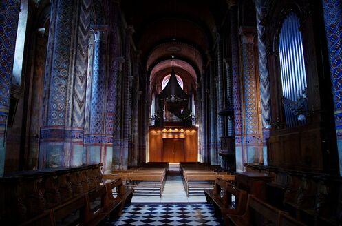 Poitiers ND Peintures & orgues 2012.jpg
