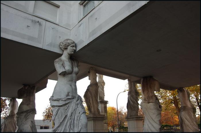 La Cité des Cariatides - Guyancourt