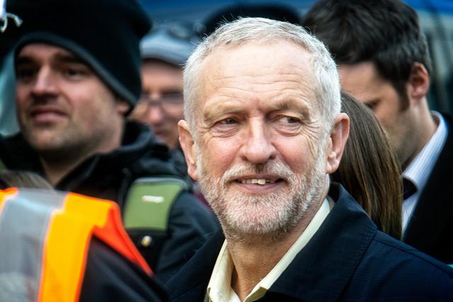 Les leçons de la réélection de J. Corbyn