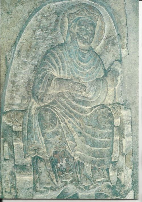 Femme couronnée , filant : Ste Radegonde, (cliché  M.Th.Camus)