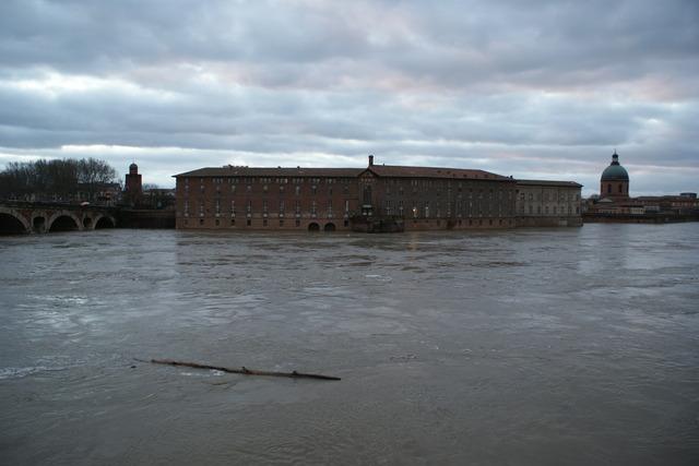 La Garonne charrie