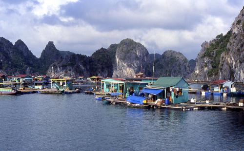 Hanoï et la baie d'Along