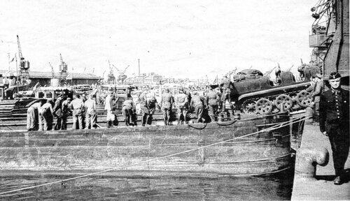 En 1945, une plage artificielle construite par les alliés