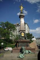 WIEN - Monument de Johann Andreas Von Liebenberg avec Pasqualati Haus derrière