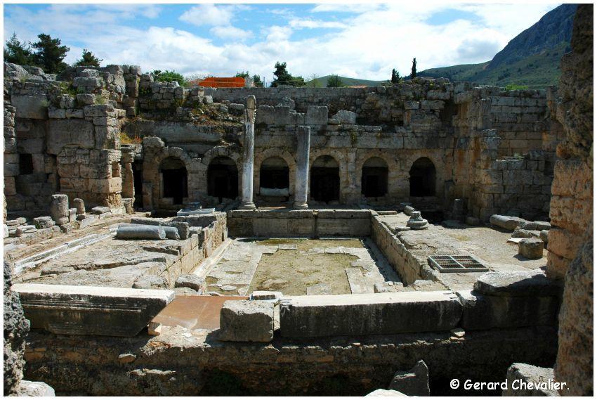 Ancien Corinthe - Fontaine Pirène (inférieur).