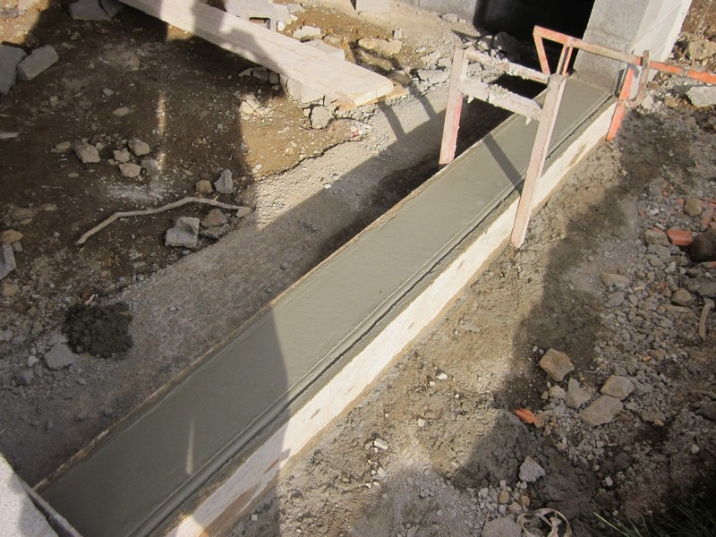 Superbe faire un seuil de porte de garage 4 suite de - Comment faire un seuil de porte en beton ...