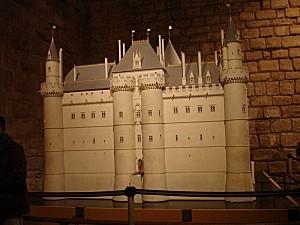 Le-Louvre-medieval.jpg