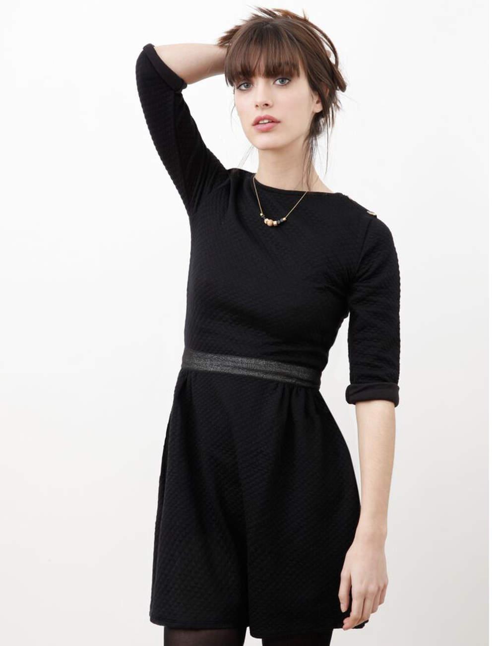 Robe noire : matelassée