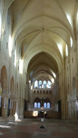 Intérieur de la collégiale de Champeaux