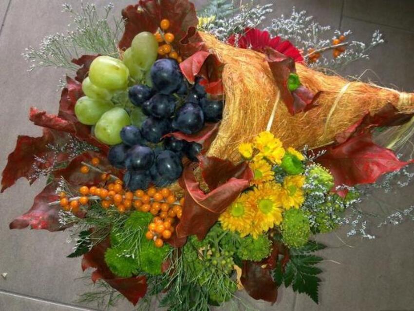 a l'automne ,le paysage change de couleurs ,les habitudes changent ,les fruits ,les feuilles tombent  et c'est une saison que j'aime beaucoup