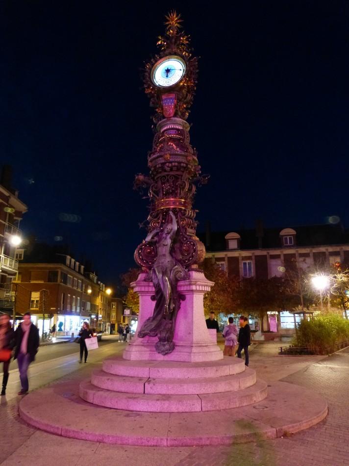 Amiens dans la nuit bleue