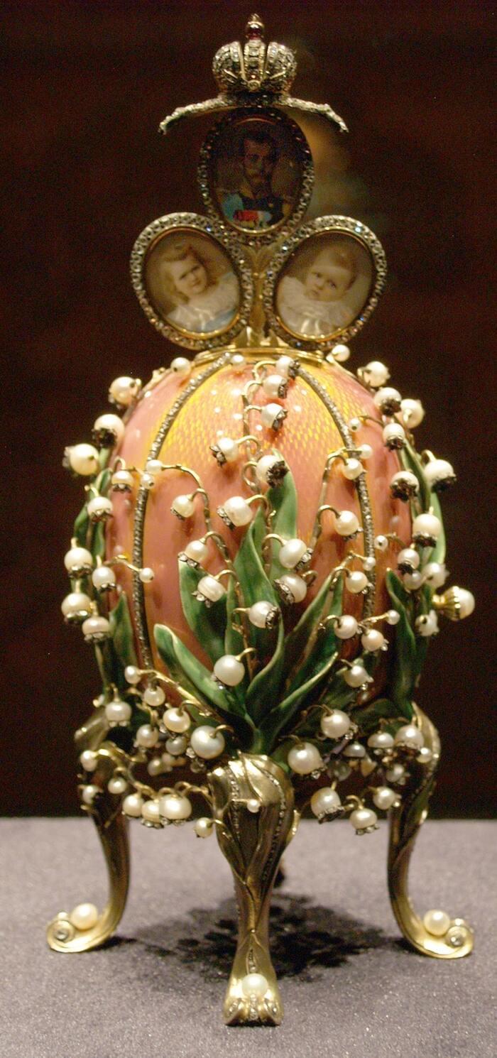 L'œuf de Fabergé: comment le cadeau de Pâques le plus élaboré de la Russie impériale est devenu
