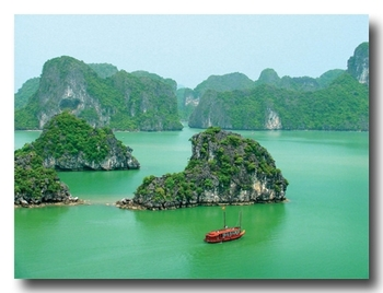 vietnam_baie_d_halong_jonque_traditionnelle_3