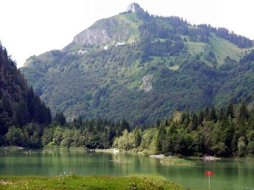 Roche Motta et le lac du Vallon