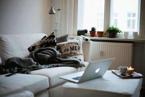 vintage, apple, mac, cute, home, city, room, comfy, messy, typography, chic, modern, photography, life