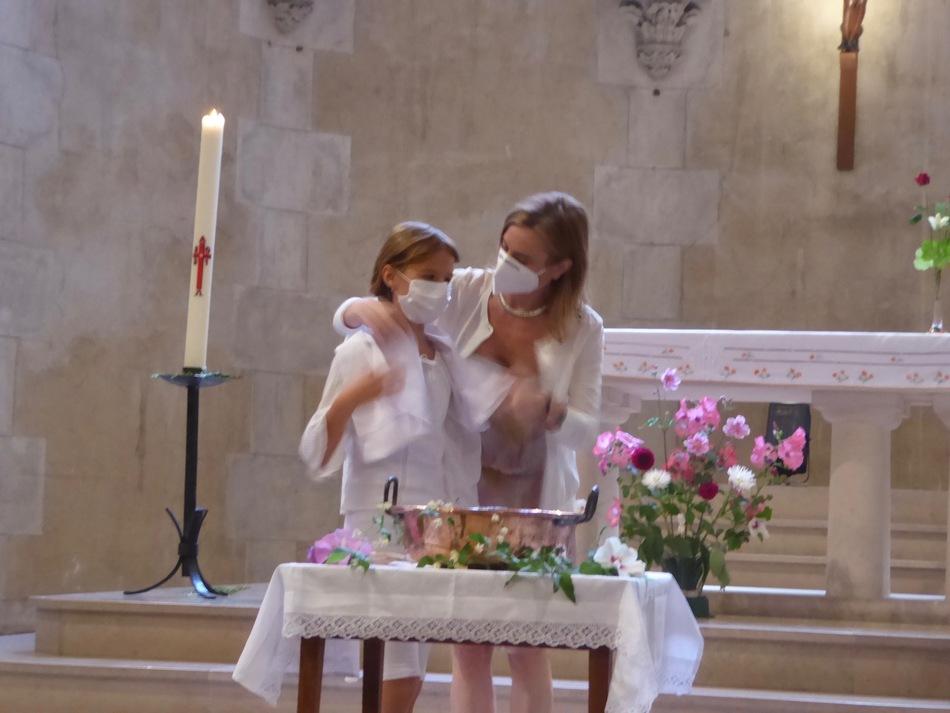 Coucou ma revoilou (lol) et le baptême pour ceux que ça intéresse.