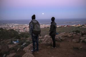 Migrants maliens aux portes de l'enclave espagnole de Mellila, au Maroc en 2014<br />  <sub>AP Photo / Santi Palacios</sub>