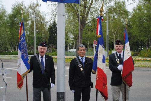 * Inauguration de la rue du BM 24 à Strasbourg le 16 avril 2015