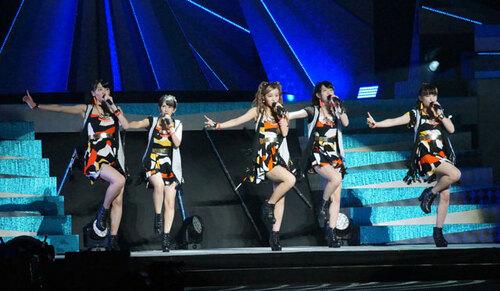 °C-ute a fait une apparence lors du concert des Berryz Kobo au Budokan