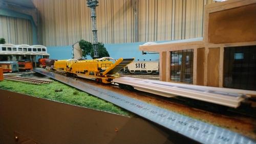 Suite du train usine COLAS RAIL