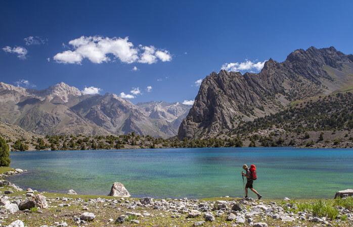 Marchez et observez les vues à couper le souffle sur la nature du Tadjikistan