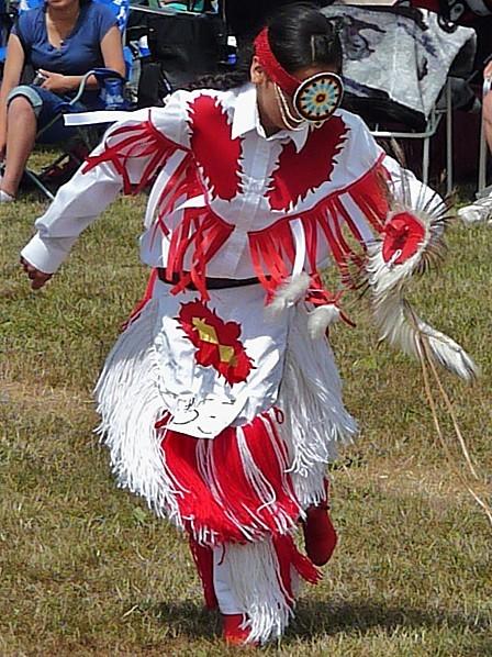 Jour 24 Pow Wow Danseuse 2