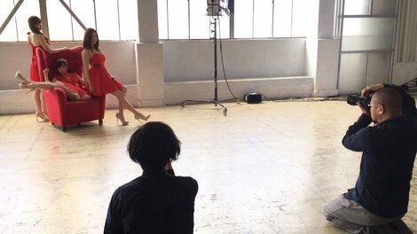 Celebrity Pics : Pictures of Asaka Sakai, Sakura Araki and Yumi Takaki during the photo shoot for no.23 of 2017 of magazine Weekly Playboy