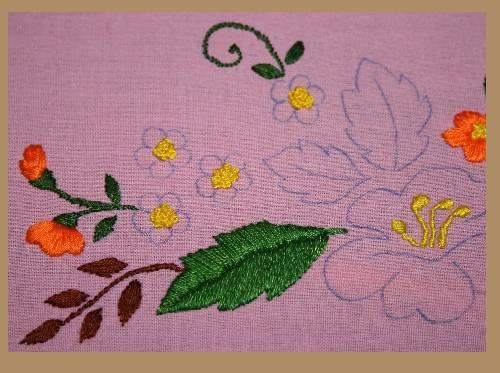 p'tites fleurs brodées