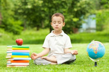 http://mindful-news.org/wp-content/uploads/2015/11/meditation-enfants-ecole1.jpg