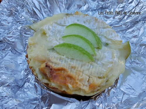 Camembert à la pomme
