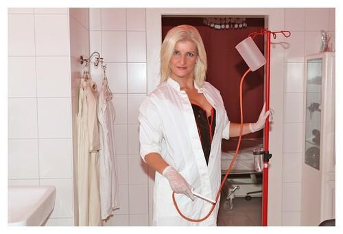 Infirmières lavementeuse