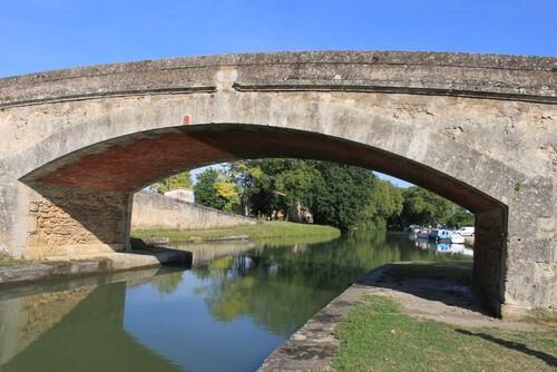 LE CANAL DU MIDI . le Ségala