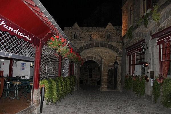 Mont Saint-Michel de nuit2