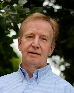 Par Jean Lavoué, écrivain. Auteur d'une vingtaine d'ouvrages, il tient depuis 2007 le blog poétique L'enfance des arbres.