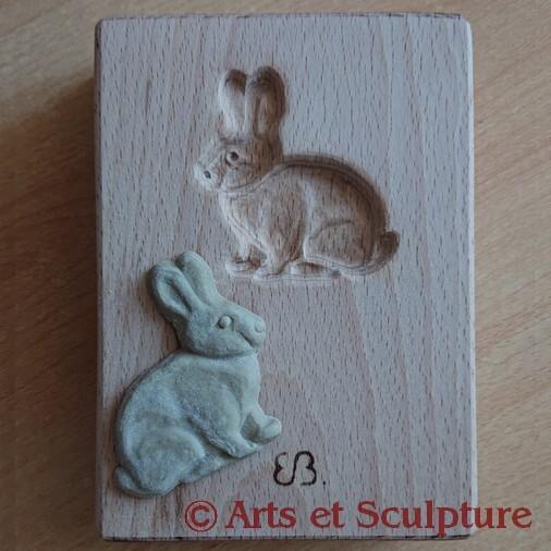 Moule à biscuits artisanal lapin sculpté en bois de hêtre pour  scrapcooking: spéculoos, sablés, pâte d'amande, springerle, couque de Dinant, pâte à sel,... Arts et Sculpture, artisan d'art, cadeaux personnalisés