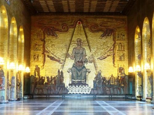 La sublime salle dorée de l'Hôtel de Ville de Stockholm (photos)