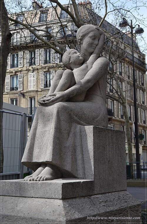 Place Dulcie September, Paris 10ème