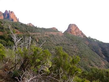 On approche du rocher de Saint-Barthélémy