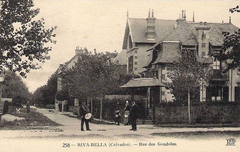 Fichier:14488 Ouistreham Riva Bella Tambour de ville.jpg